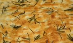 Fougasse mozzarella, romarin et olives